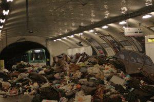 Pierre Dietz - Metro Paris vermüllt